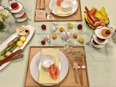 春のテーブル